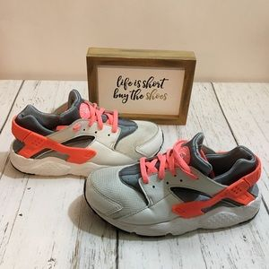 Nike Huaraches Gray/Pink Sneakers 3Y GUC